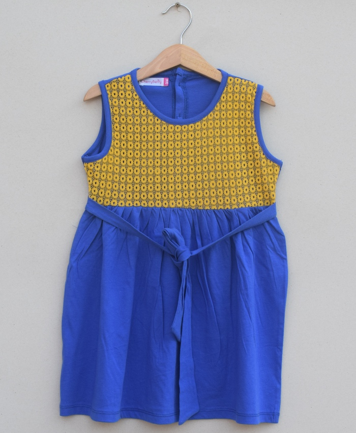 Girls knitted Frock (S19G84)