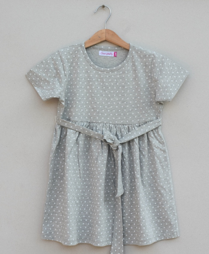 Girls knitted Frock (S19G86)
